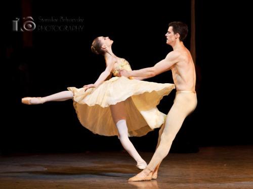 Exam Pirouettes - Vaganova Ballet Academy 2011 with Olga Smirnova